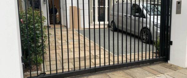 Automatic sliding gate railings and custom mail box-3