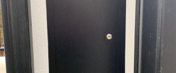 Automatic sliding gate railings and custom mail box-9