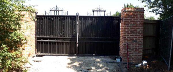 Automatic swing gates fitted