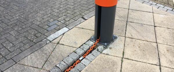 Electric chain barriers -1