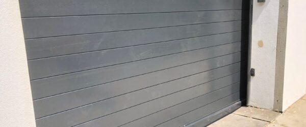 Hand painted steel frame hardwood electric sliding gate