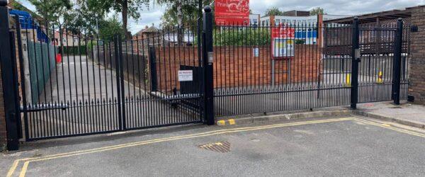 School gates railings & Automation-1
