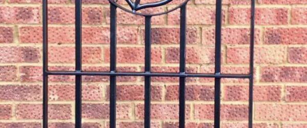 Sea side property gate