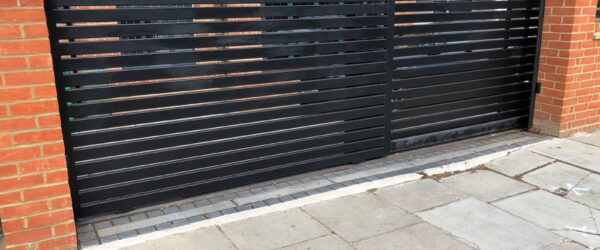 Teliscopic electric sliding gate railing single gate & entryphone-01